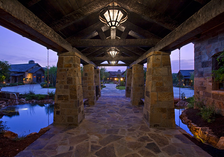 golf clubhouse covered entry bridge