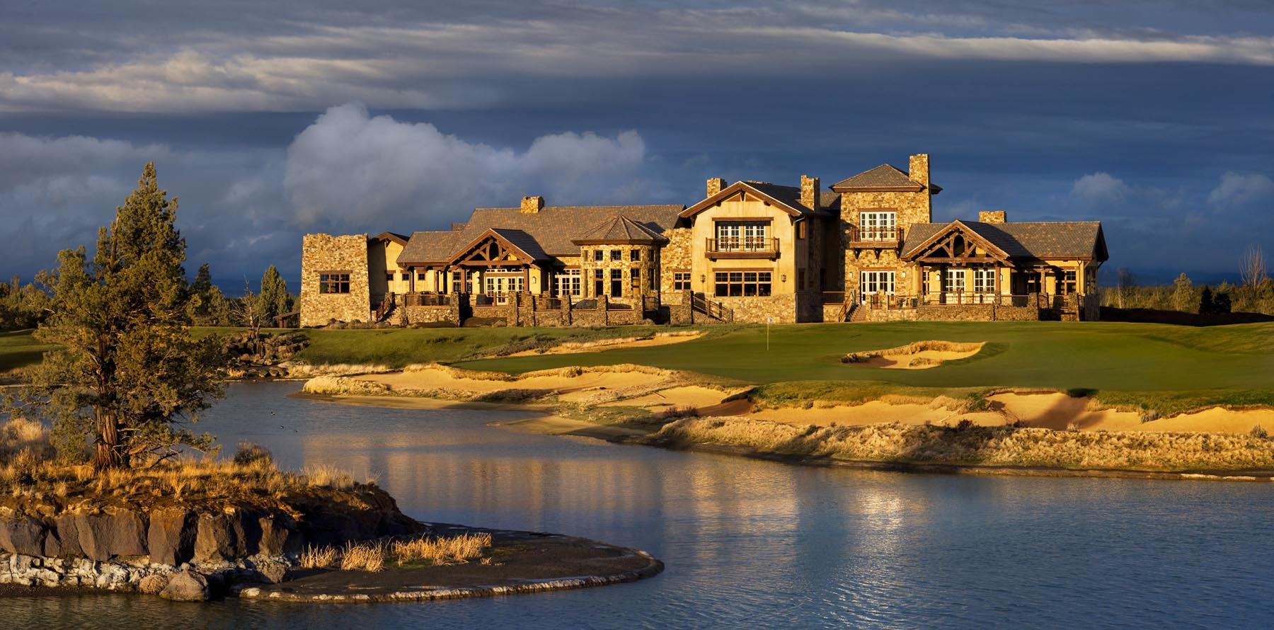 private golf clubhouse resort